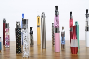 e-cigarettes electronic cigarette many types colors